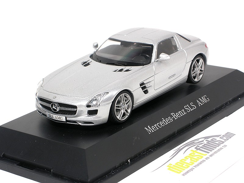 Mercedes-Benz SLS AMG Coupe Silver