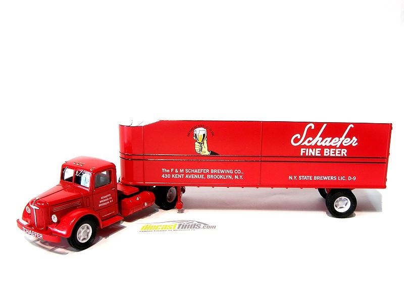 Mack LJ Semi Fruehauf Container