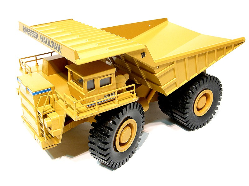 Wabco Dresser Haulpak #2720 Yellow