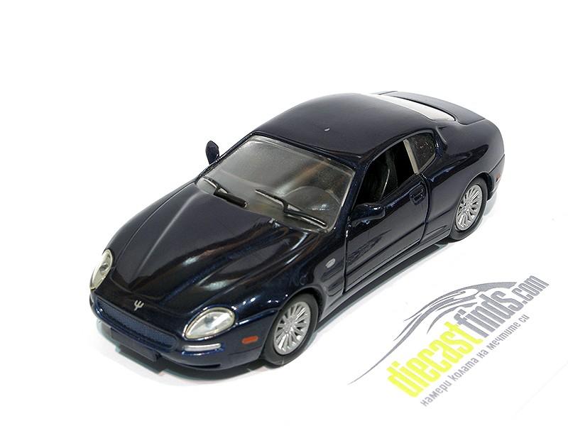 '02 Maserati Coupe