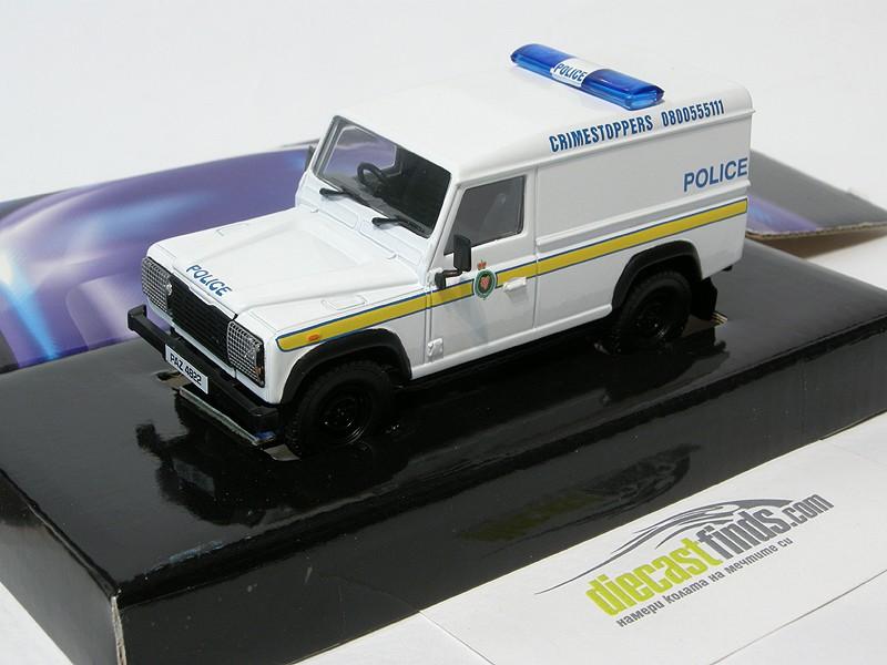 Land Rover Defender Police